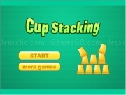 Jouer à Cup stacking